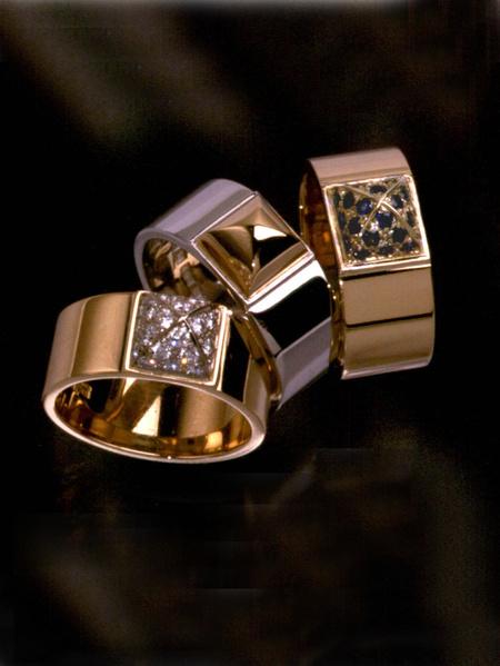 Kajsa ringar guld diamanter safirer