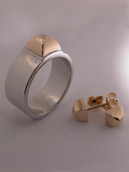 Kajsa ring vitguld/guld och örhängen